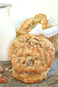 soft and chewy oatmeal raisin cookie