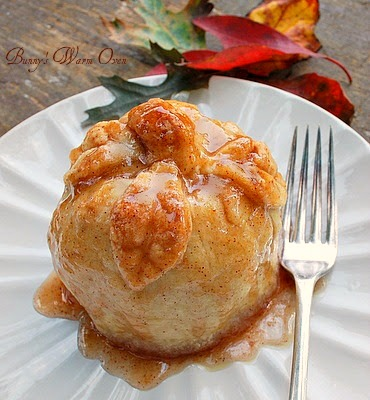 Vintage, Paint and more... Bunny's Warm Oven Apple Dumpling