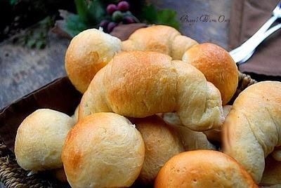 soft buttery dinner rolls