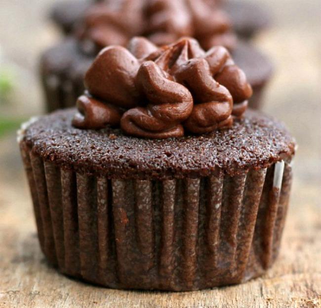 Homemade chocolate frosting powdered sugar