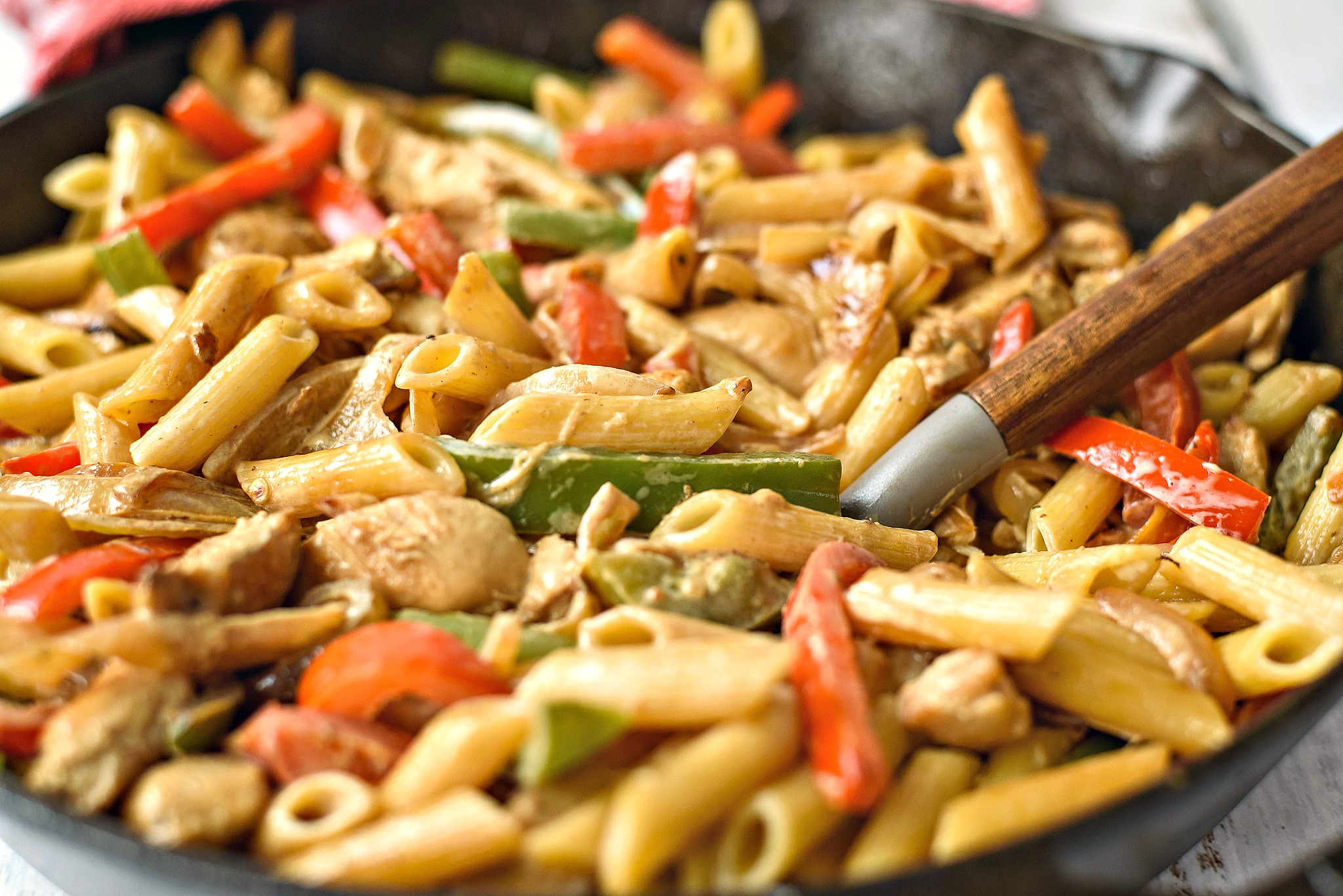 Chicken and Peppers with White Sauce