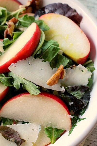 Apple Salad with lemon Vinaigretta