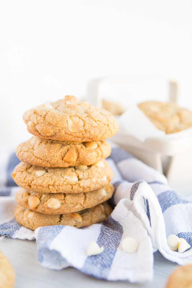 Chewy White Chocolate Macadamia Cookies