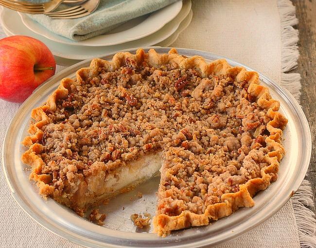 Sour Cream Apple Pie - Bunny's Warm Oven