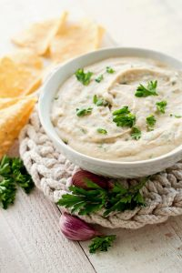 White Bean Garlic Hummus