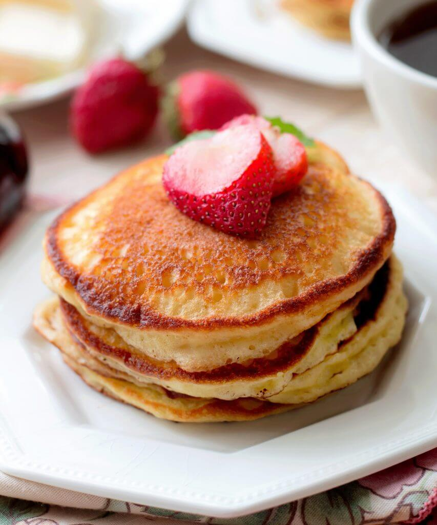 Sour Cream Pancakes(Pioneer Woman Recipe)