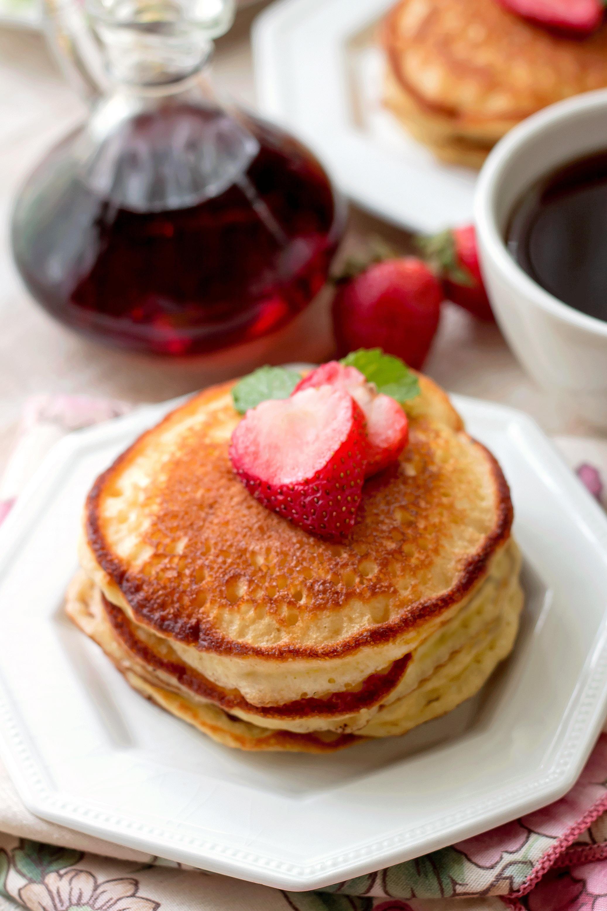 Sour Cream Pancakes (Pioneer Woman Recipe)