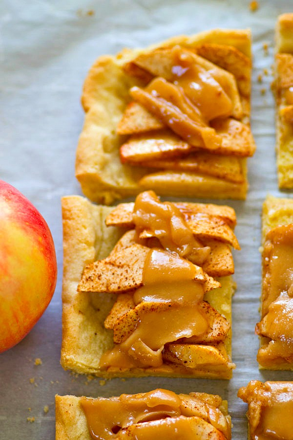 Sugar Cookie Caramel Apple Slab Pie