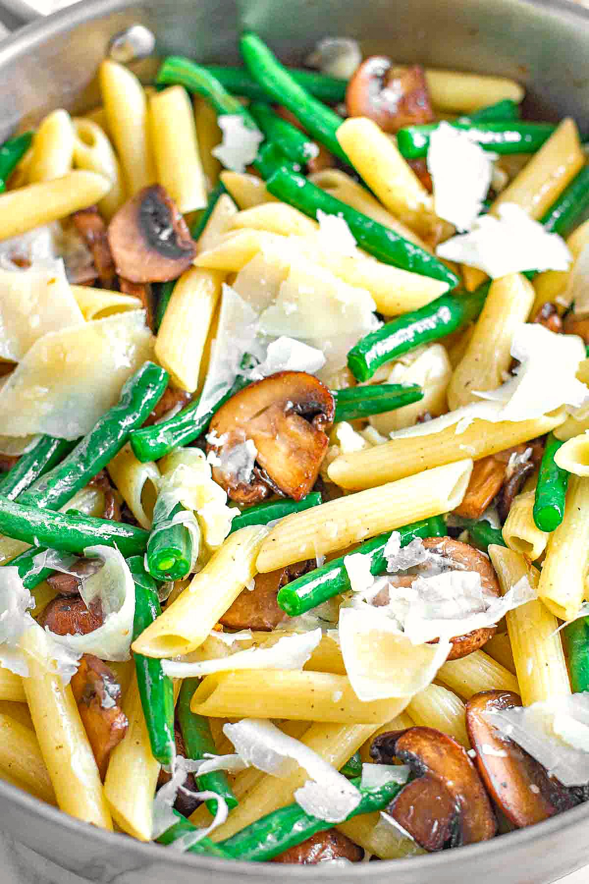 Green Bean Penne in Garlic Butter Sauce